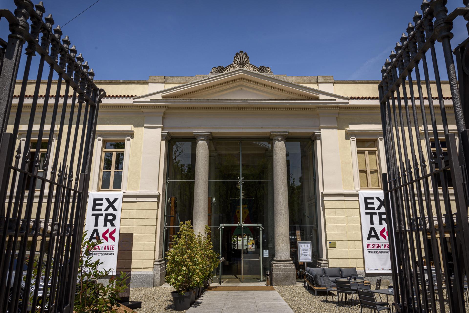 EXTRA 0