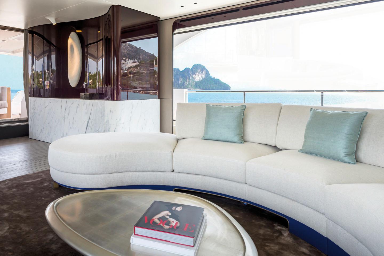 Imbarcazione privata 2